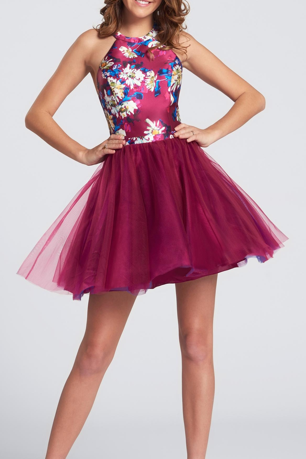 Ellie Wilde Short Halter Homecoming Dress - Front Cropped Image
