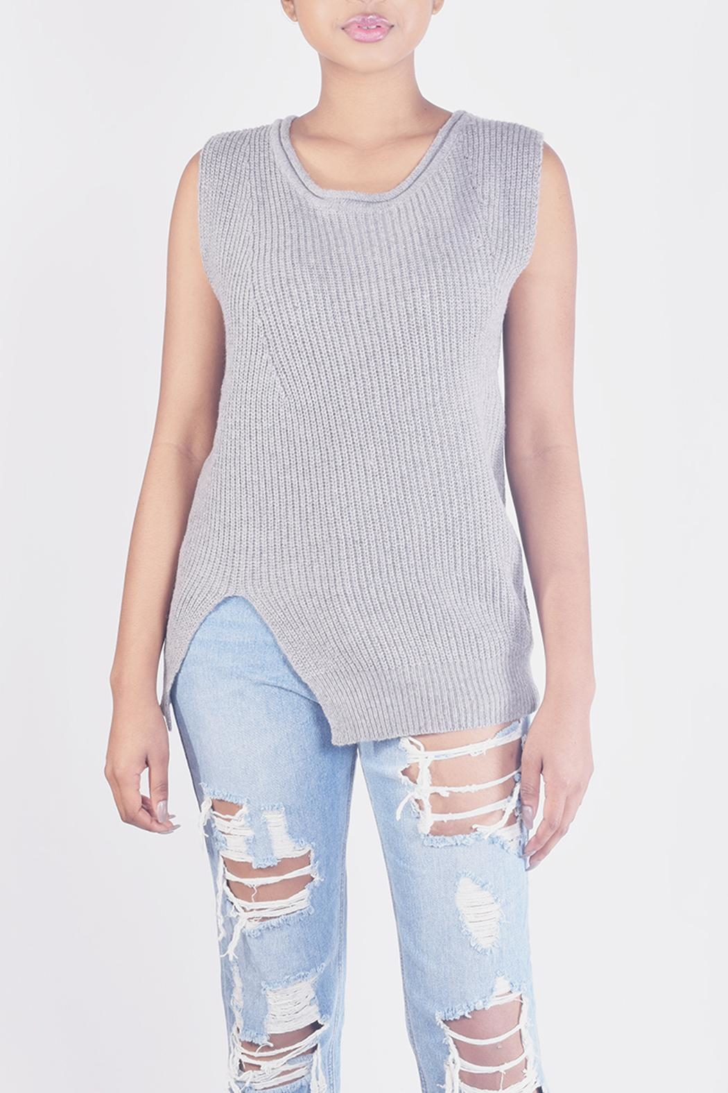Ellison Chic Sleevless Knit-Top - Side Cropped Image