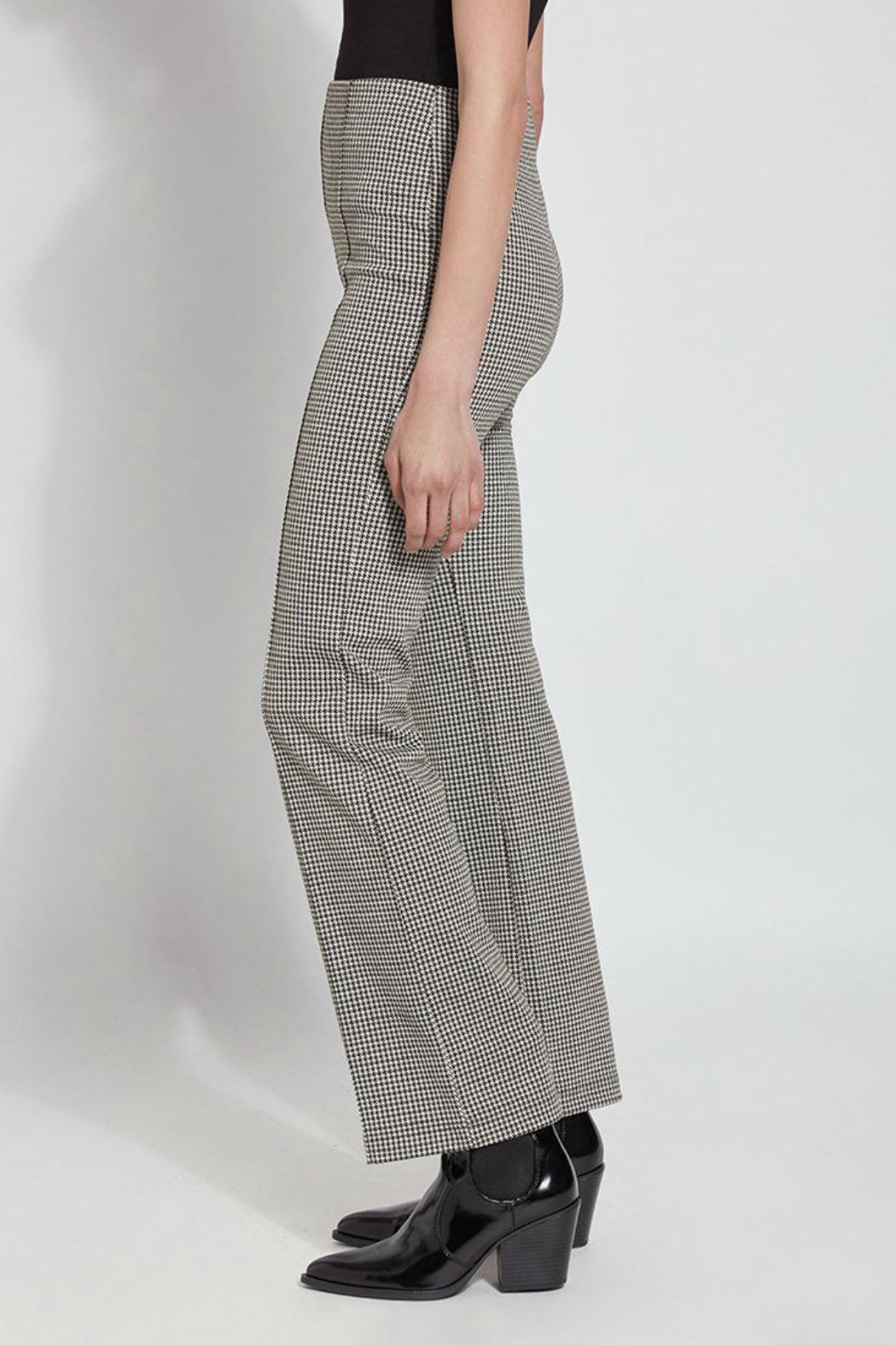 Lysse Elysse Houndstooth Bootcut Pull-on Pant - Front Full Image