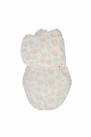 Embe Babies Dahlia Swaddle - Front cropped