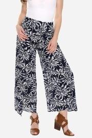 Embellish Black And White Palm Cropped Pants - Back cropped