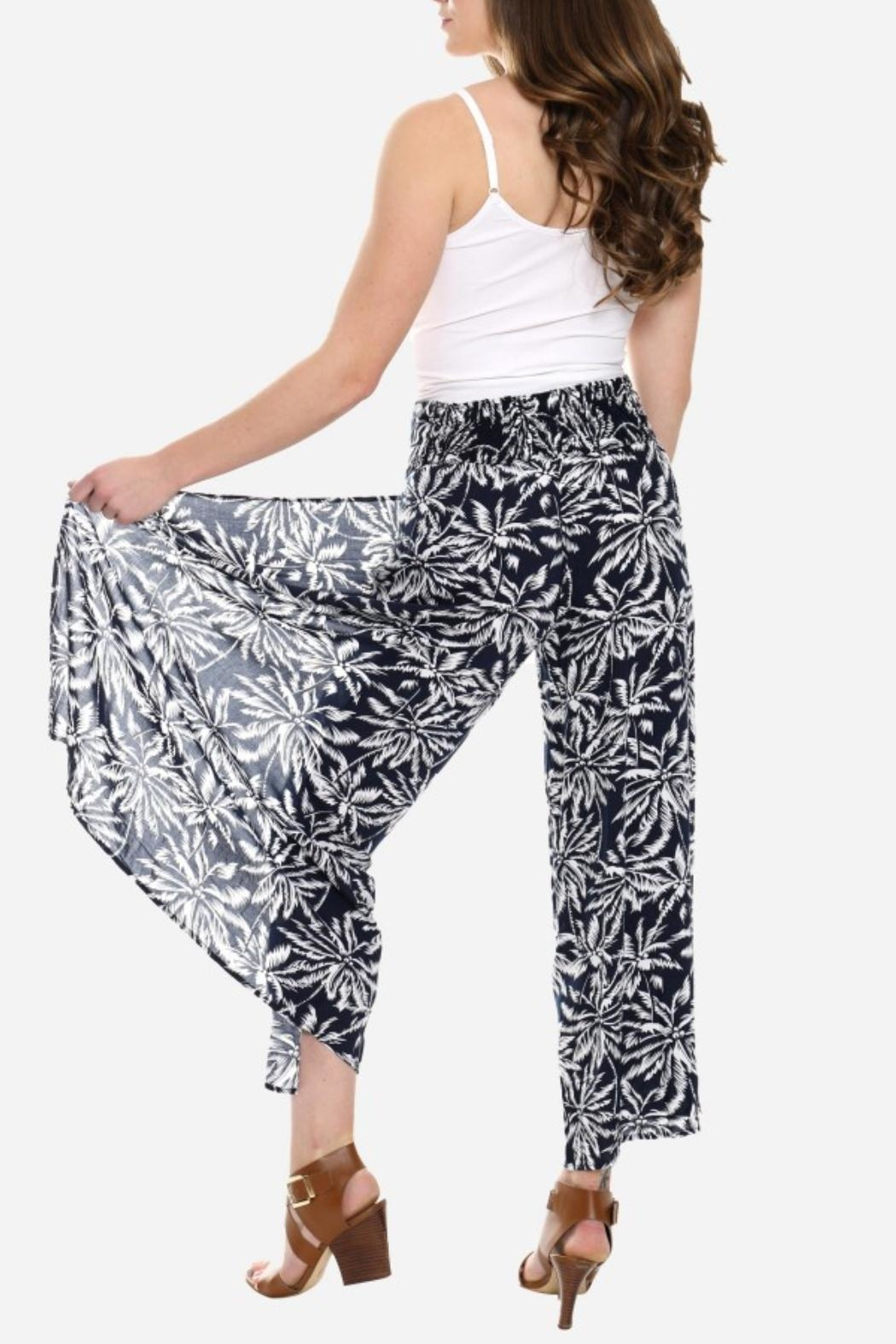 Embellish Black And White Palm Cropped Pants - Side Cropped Image