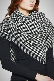 Embellish Houndstooth Blanket Scarf - Product Mini Image