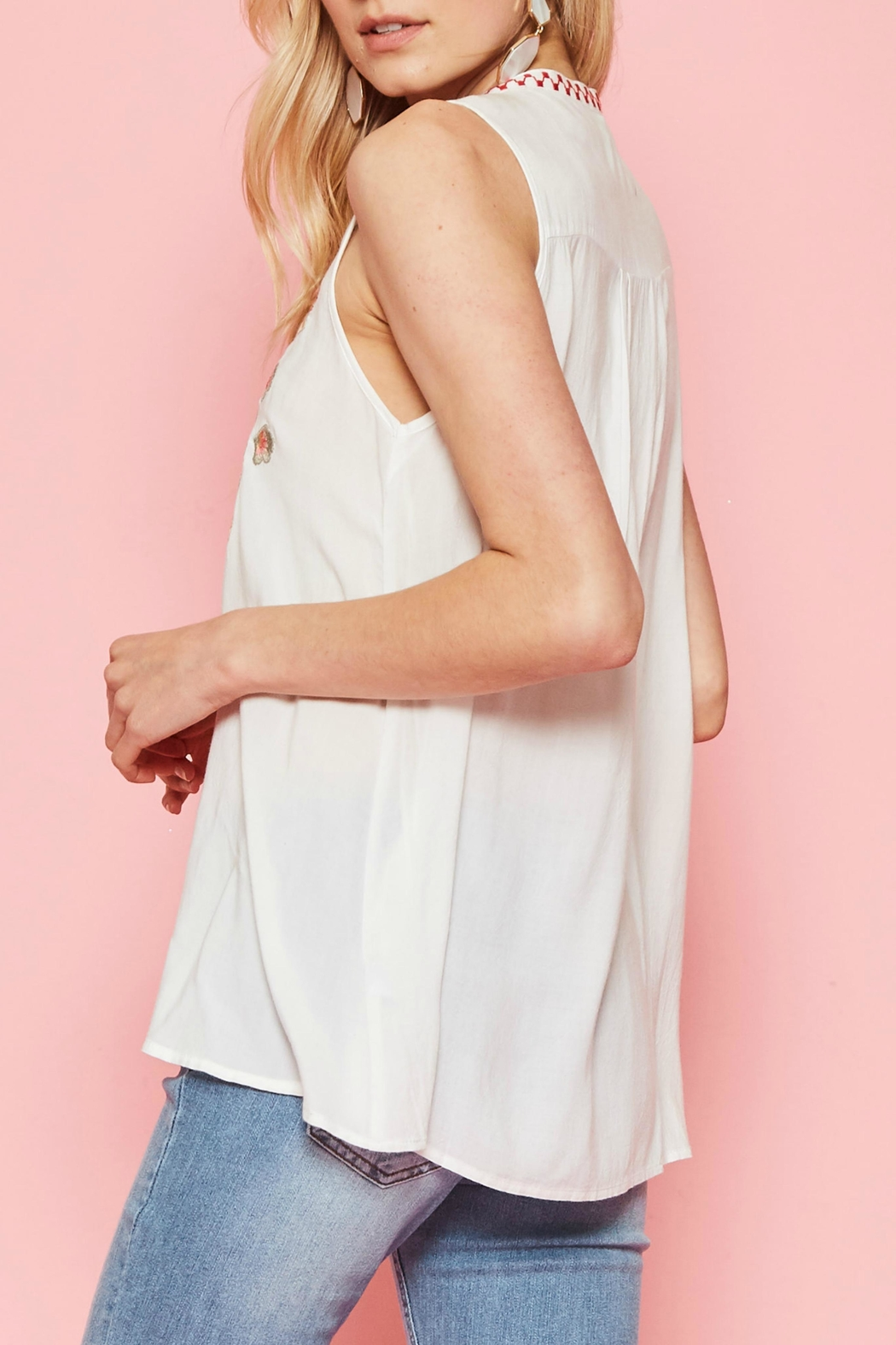 Andree by Unit Emboidered Sleeveless Top - Front Full Image