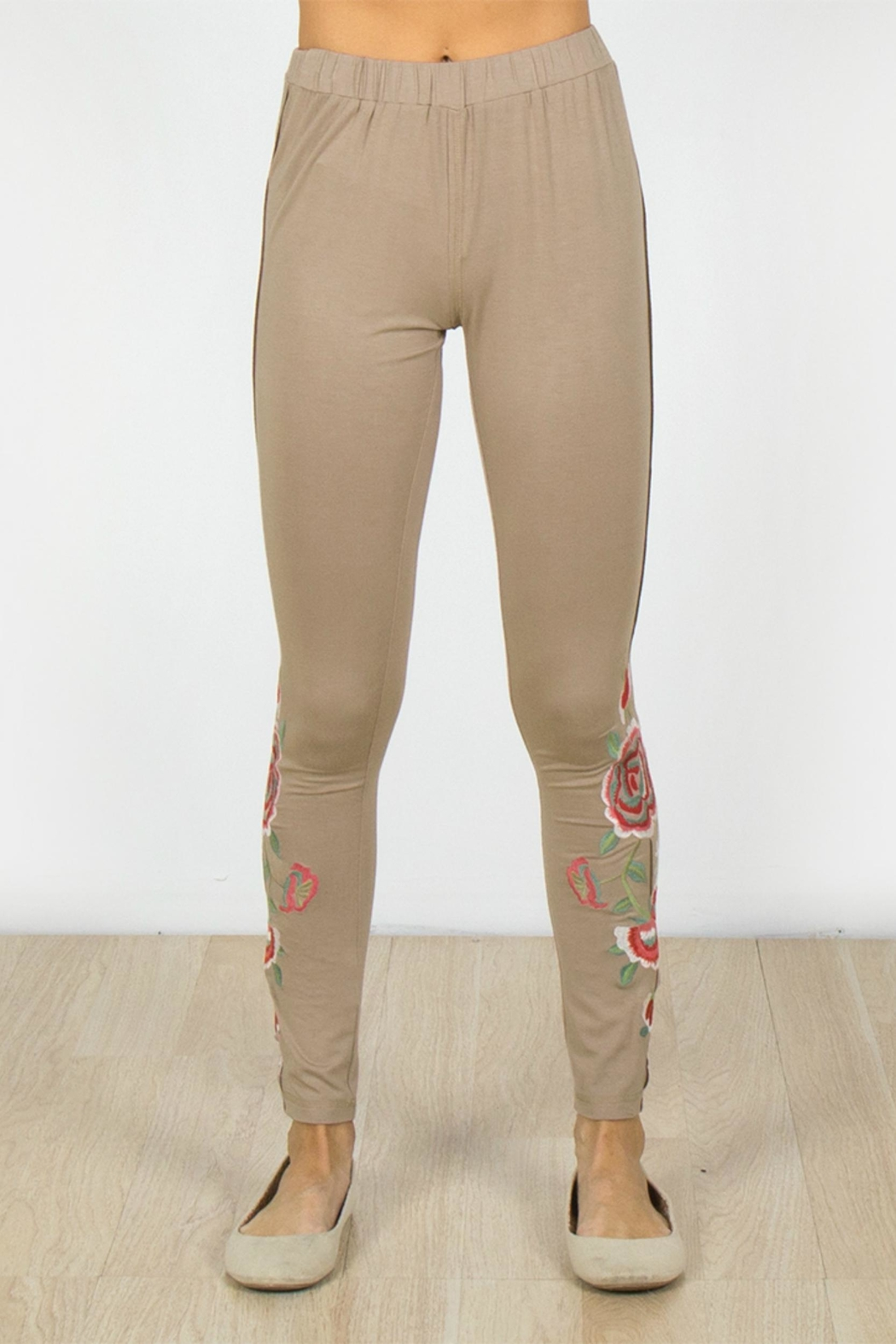 Mur Monoreno Embroidered Beauty Leggings - Main Image