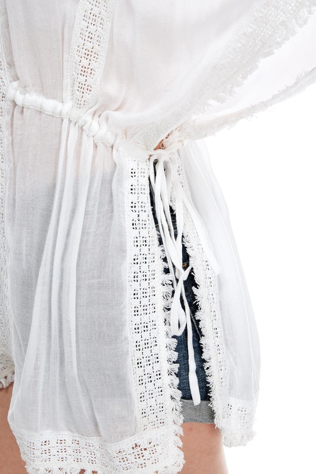 En Creme Embroidered Coverup Top - Side Cropped Image