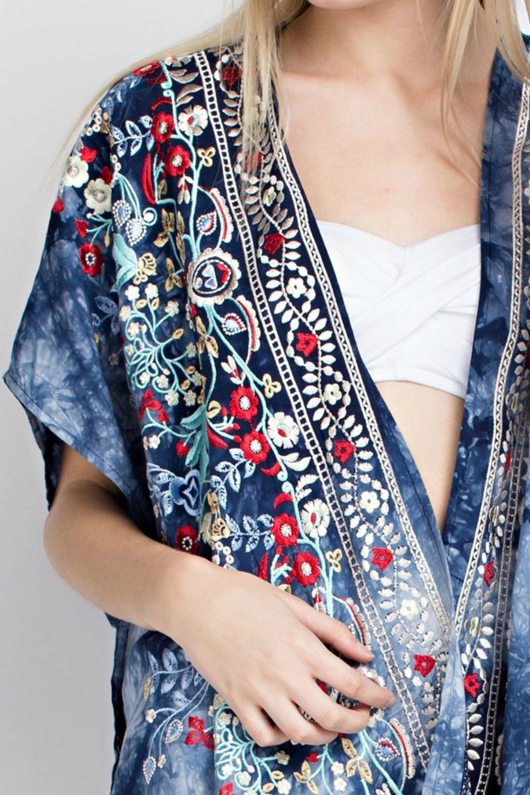 12pm by Mon Ami Embroidered Kimono - Side Cropped Image