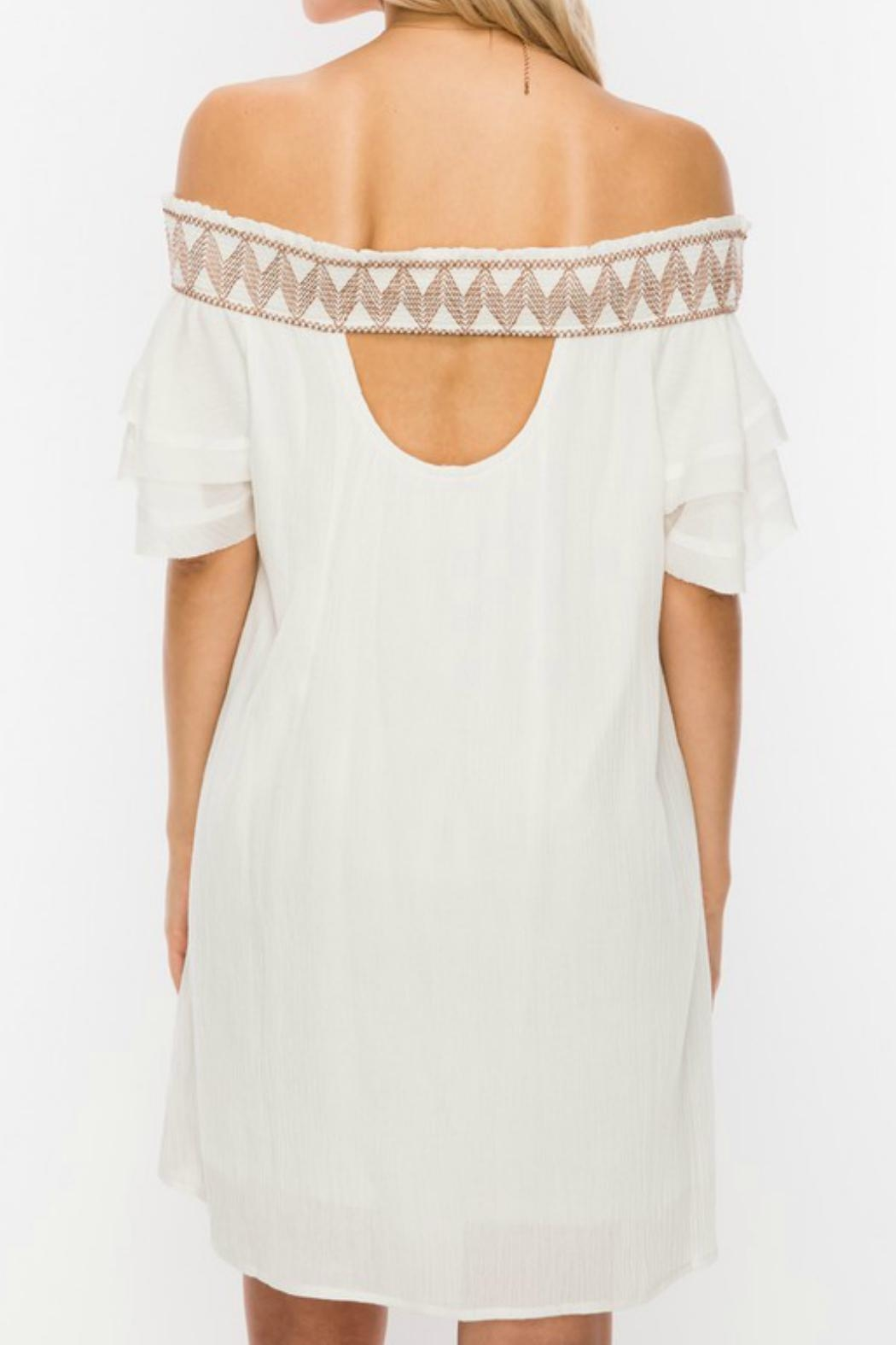 ALB Anchorage Embroidered Off-Shoulder Dress - Side Cropped Image