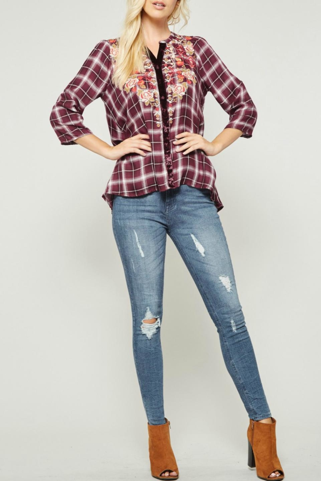 Andree by Unit Embroidered Plaid Button-Down - Side Cropped Image