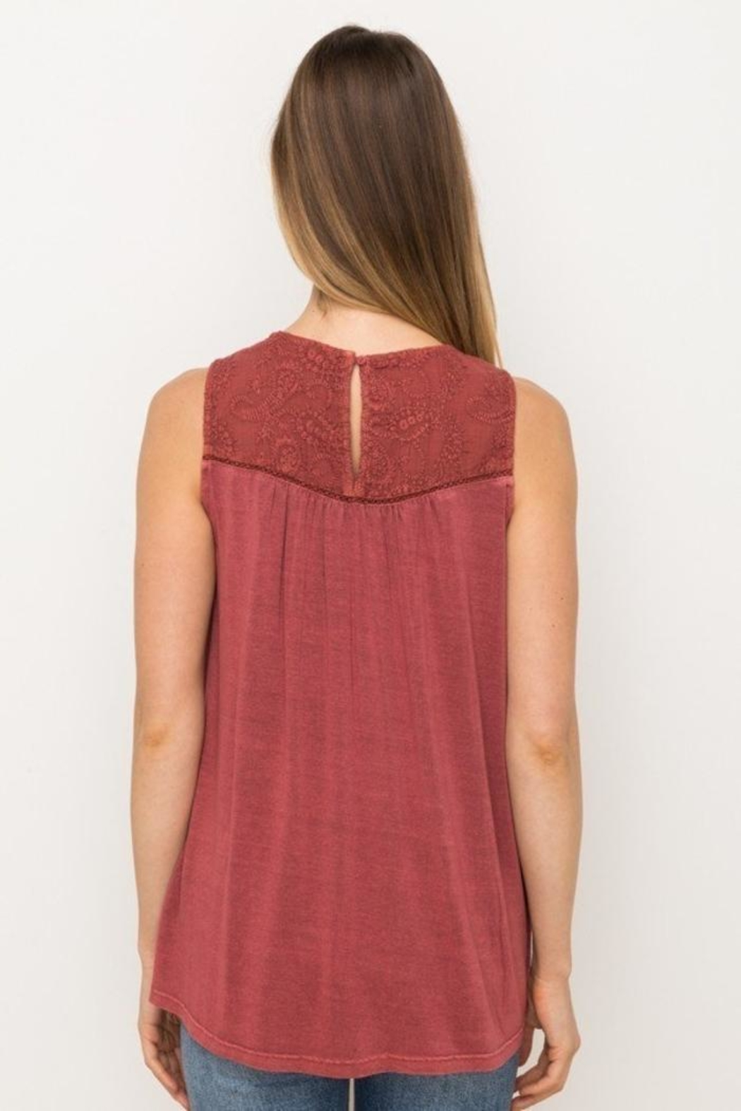 Mystree Embroidered Sleeveless Top - Side Cropped Image