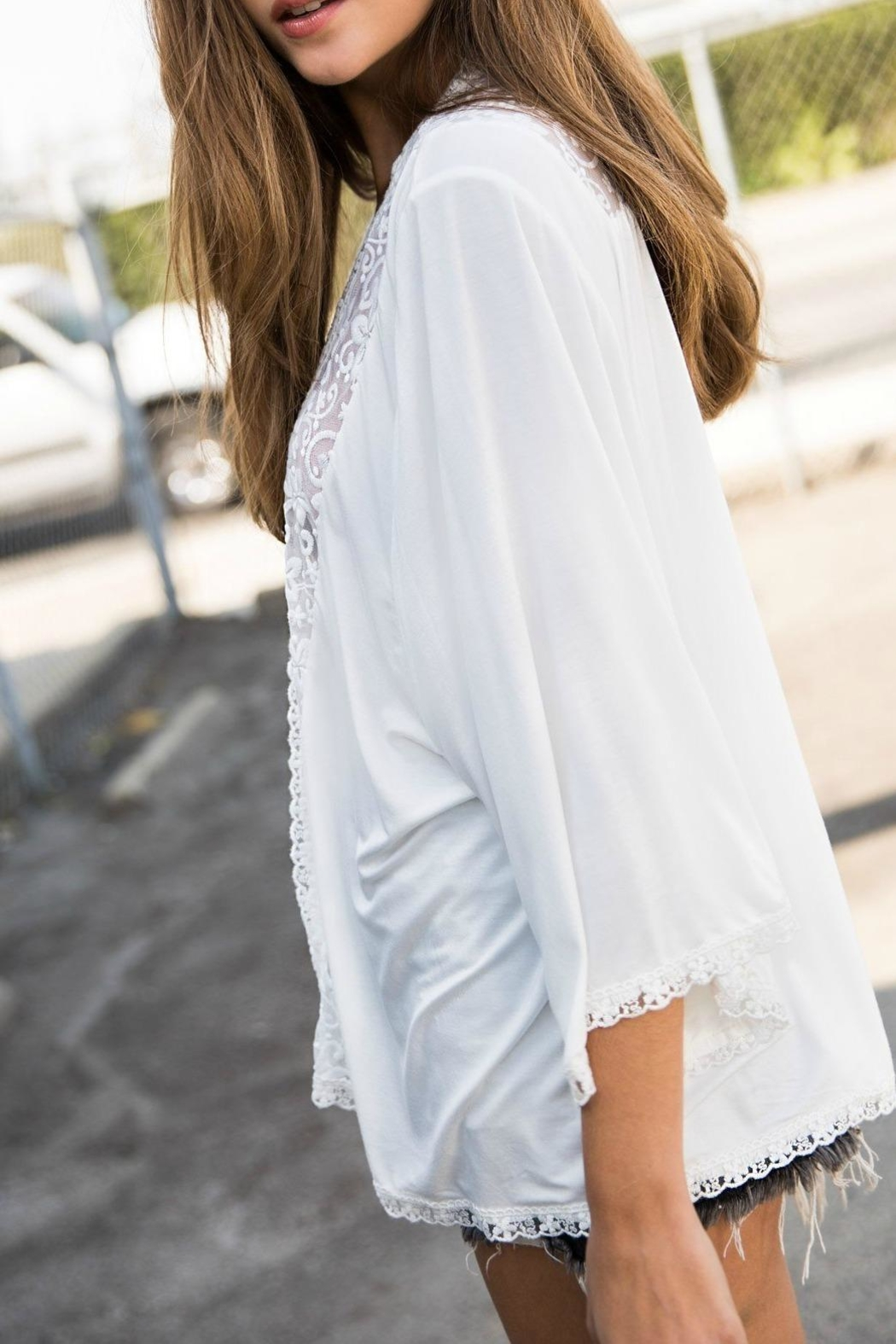 POL Embroidered Solid Kimono - Side Cropped Image