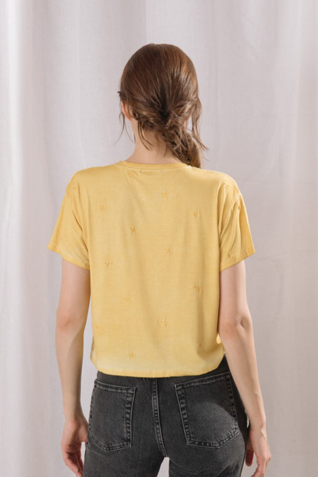 storia Embroidered Star Cropped Tee - Side Cropped Image
