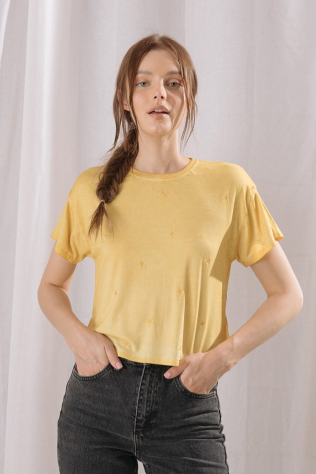 storia Embroidered Star Cropped Tee - Main Image