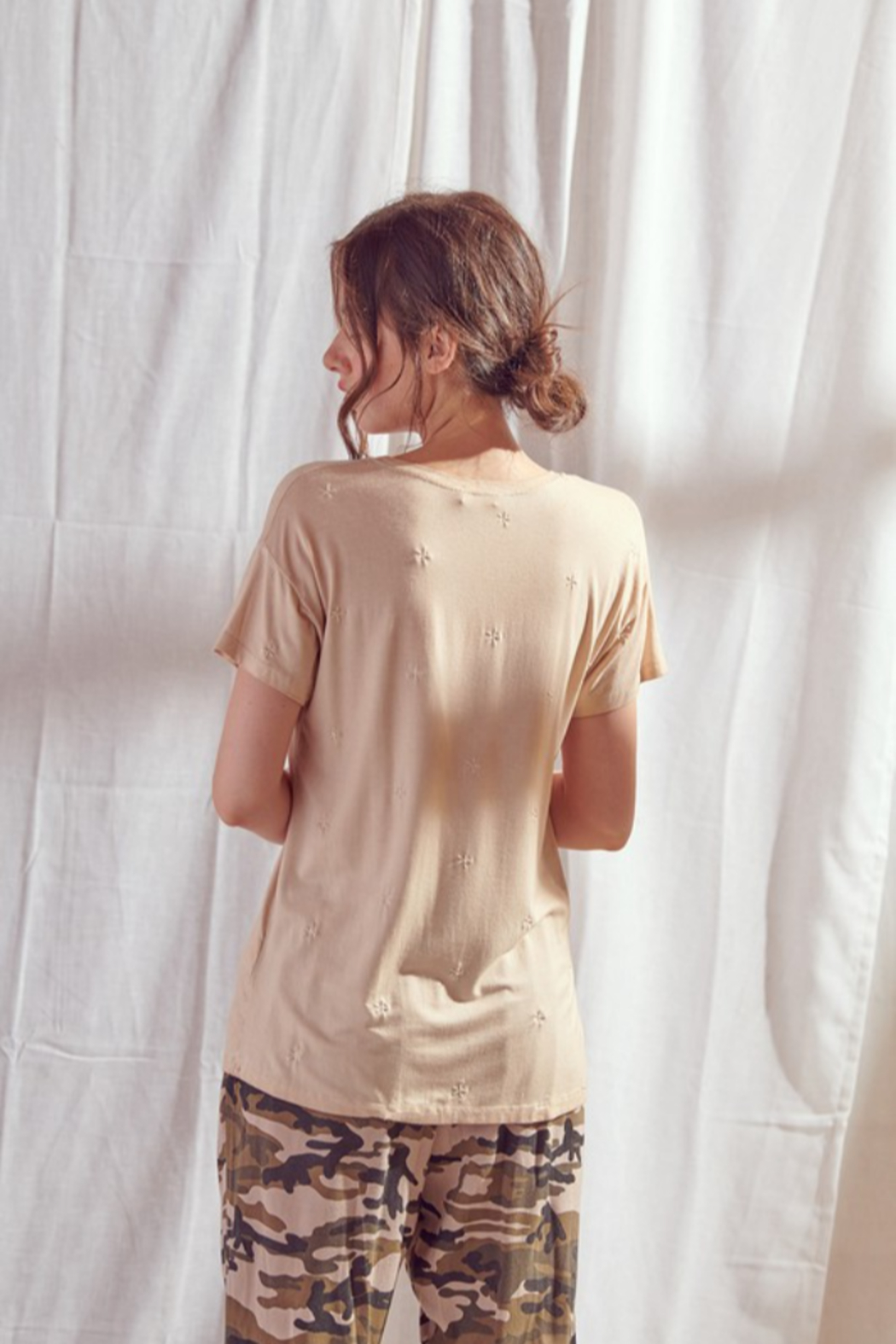 storia Embroidered Star T-Shirt - Side Cropped Image