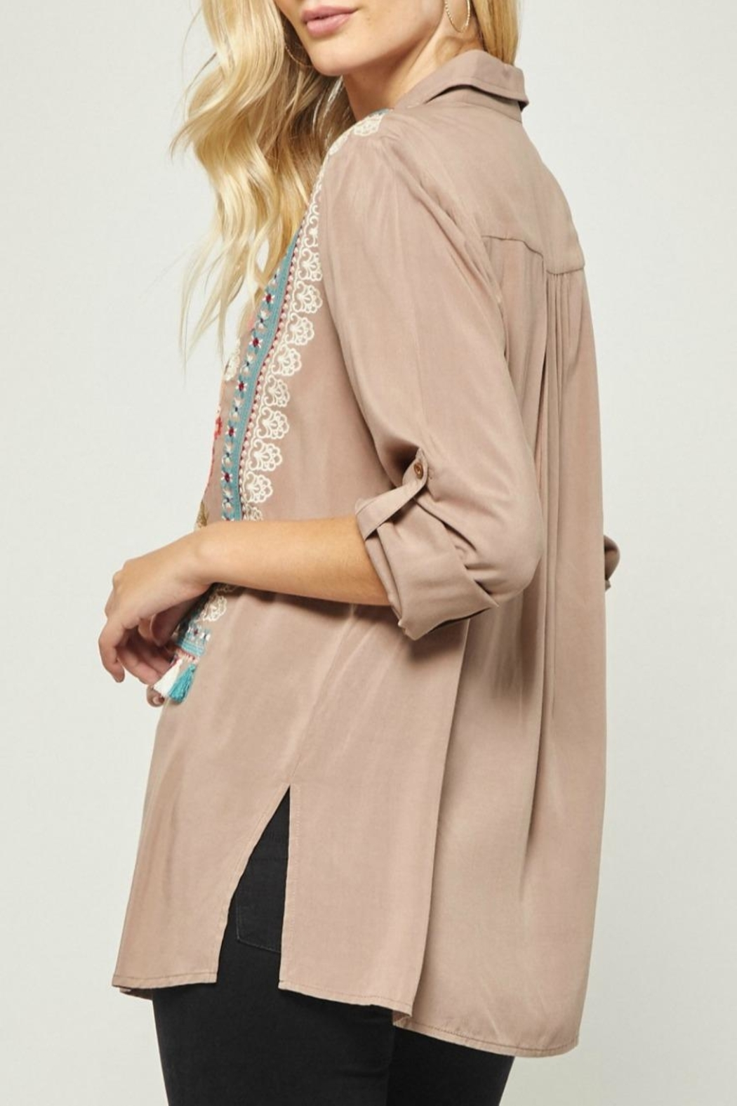 Andree by Unit Embroidered Tunic Blouse - Side Cropped Image