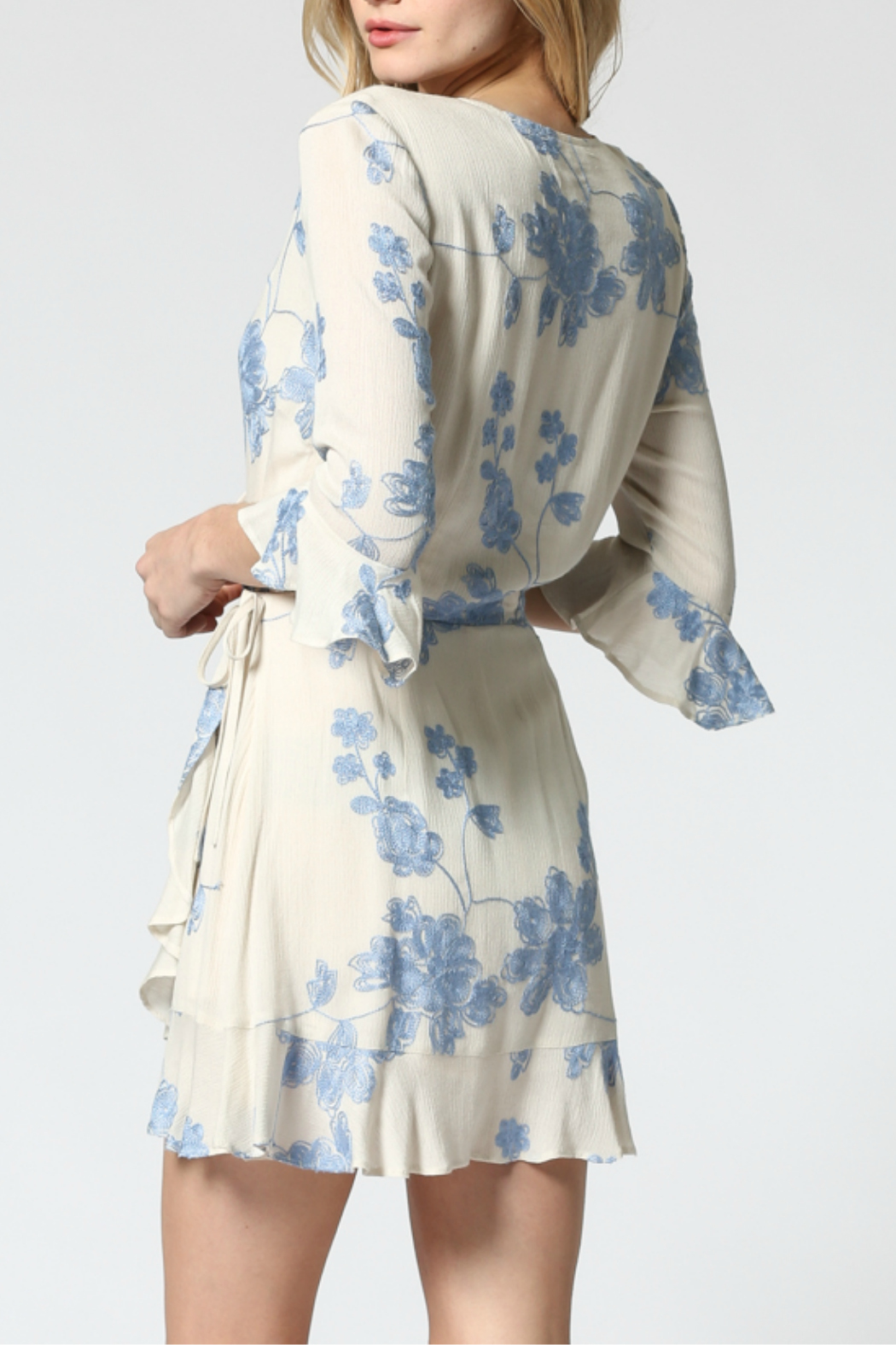 FATE by LFD Embroidered wrap dress - Side Cropped Image