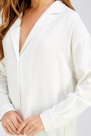 Emory Park White Oversized Top - Side cropped