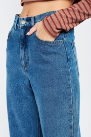 Emory Park Wide Leg Denim Jeans With Ripped Knee - Side cropped