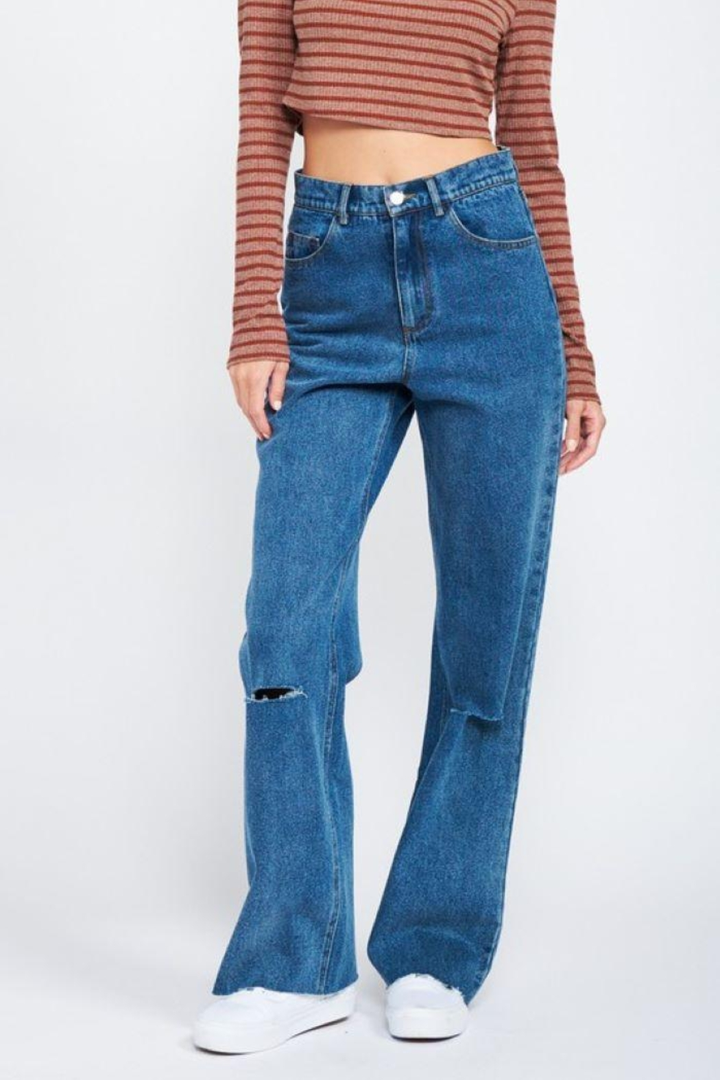 Emory Park Wide Leg Denim Jeans With Ripped Knee - Front Full Image