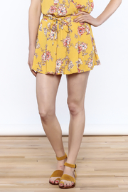 En Creme Yellow Floral Printed Shorts - Product Mini Image