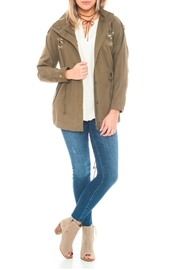 En Creme Embriodery Zip Jacket - Front cropped