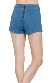 En Creme Embroiderd Denim Shorts - Side cropped
