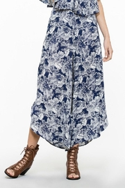 En Creme Floral Wide Pants - Front cropped