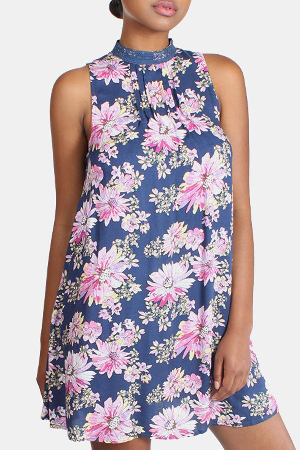 En Creme Floral High Neck Dress - Side Cropped Image