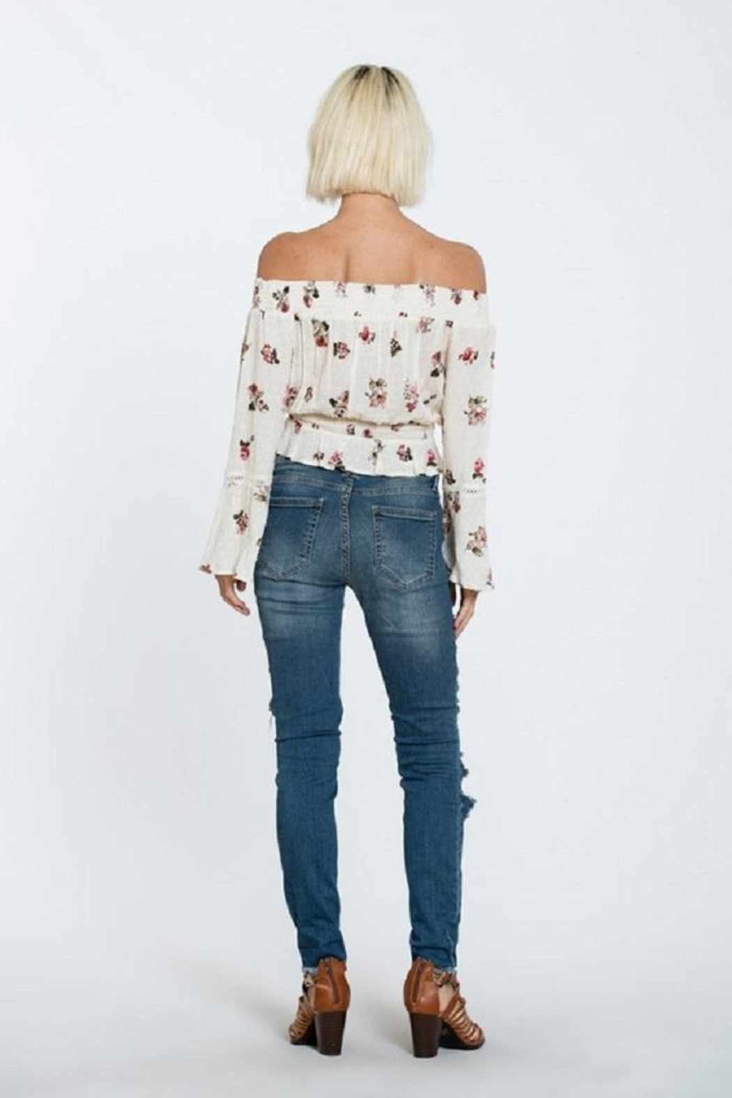 En Creme Off Shoulder Top - Side Cropped Image