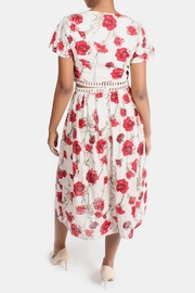 En Creme Red Roses Set - Side cropped