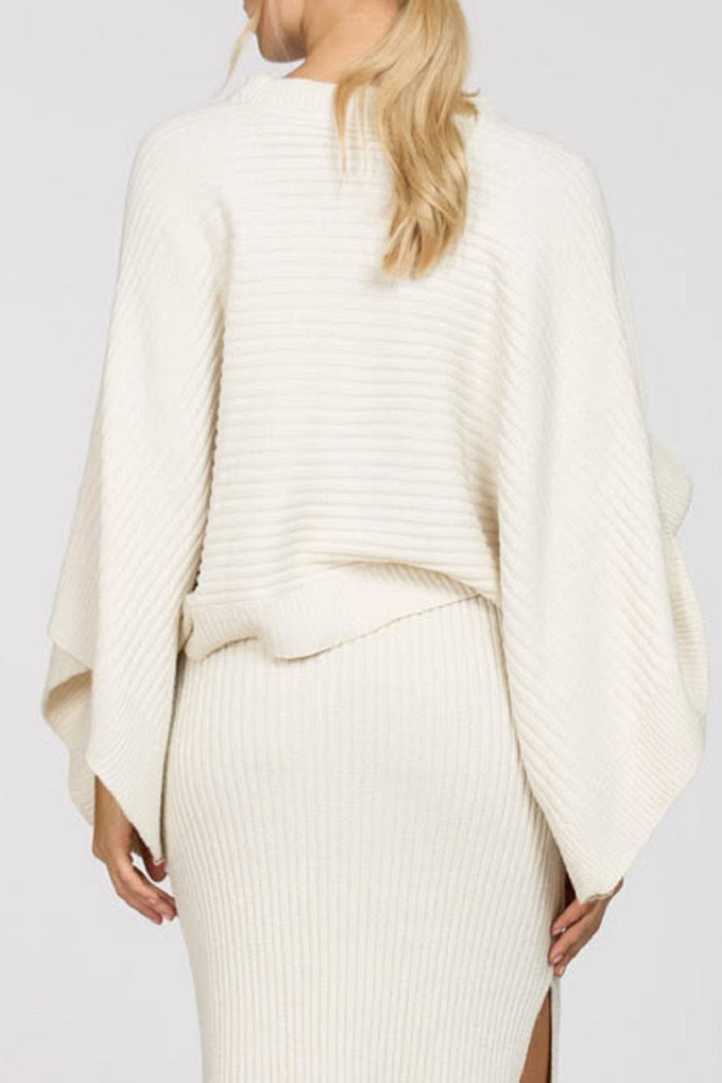 En Creme Ribbed Cape Sweater - Side Cropped Image