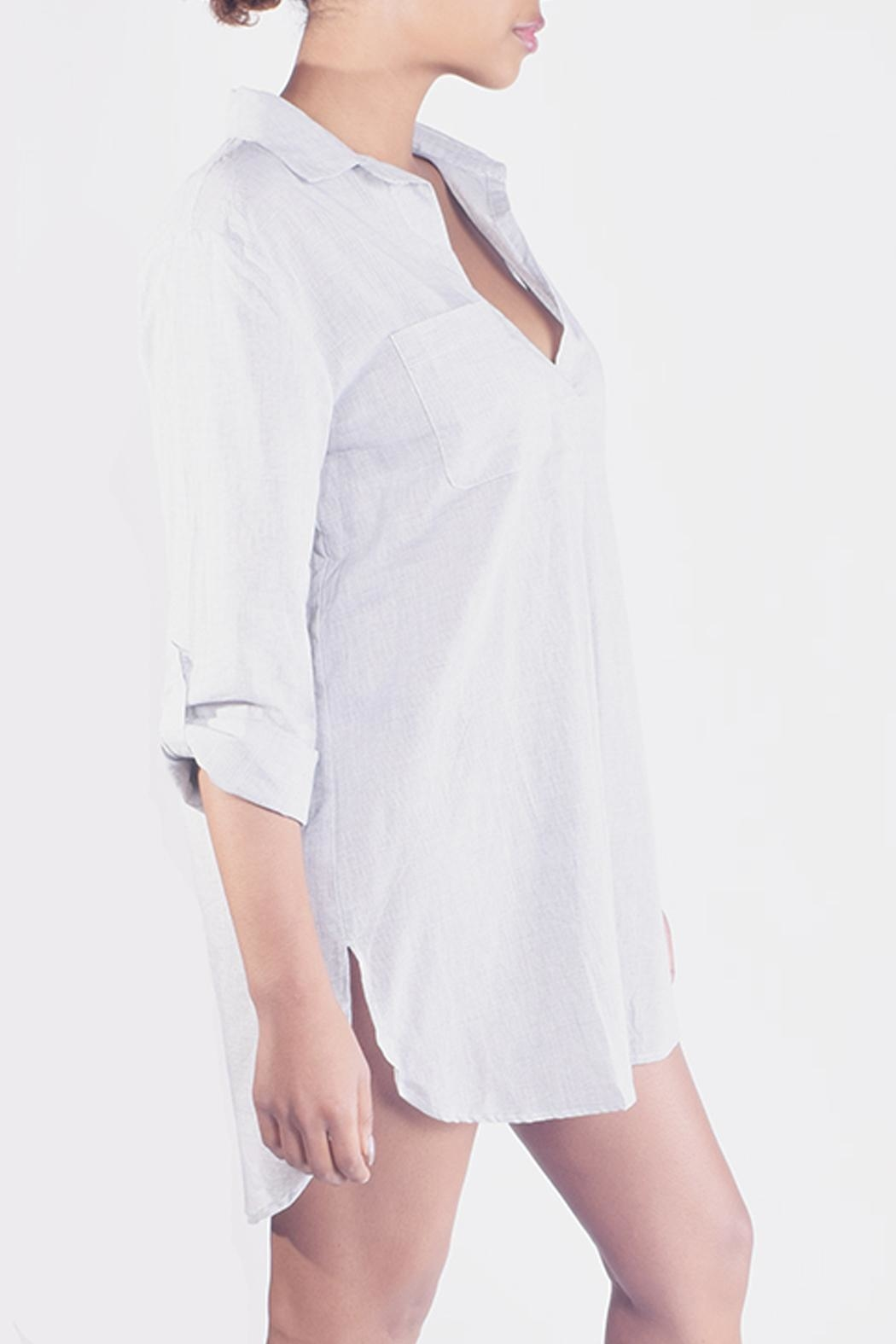 En Creme Striped-Collared Boyfriend Shirt - Side Cropped Image