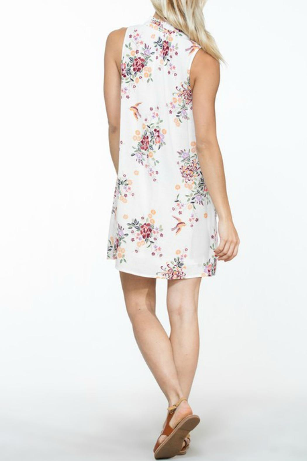 En Creme White Floral Shift-Dress - Side Cropped Image