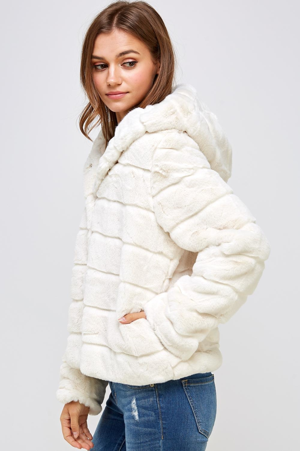 En Creme Winter White Jacket - Front Full Image