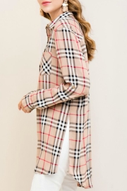 Entro Burberry - Front full body