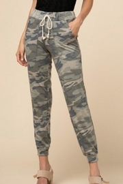 Entro Camo Joggers - Front cropped
