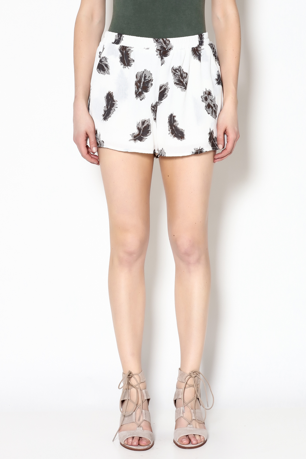 Entro Feather Print Shorts - Side Cropped Image