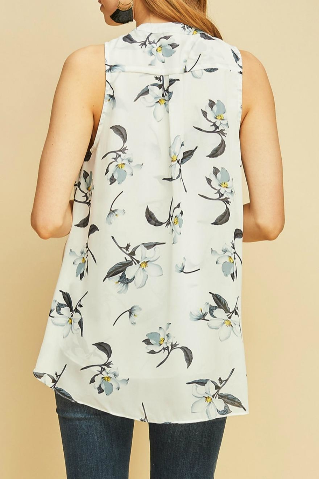Entro Floral Button-Down Blouse - Side Cropped Image