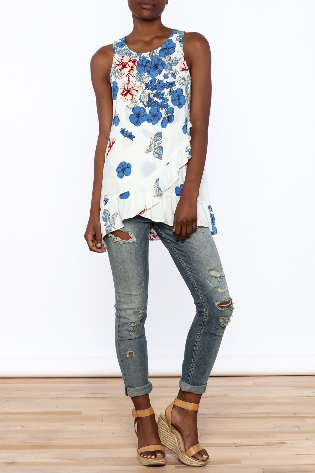 Entro Floral Print Sleeveless Top - Front Full Image