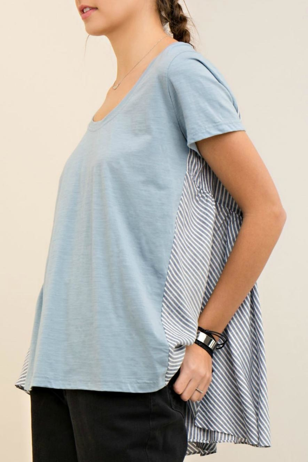 Entro High Low Stripe Tee - Back Cropped Image