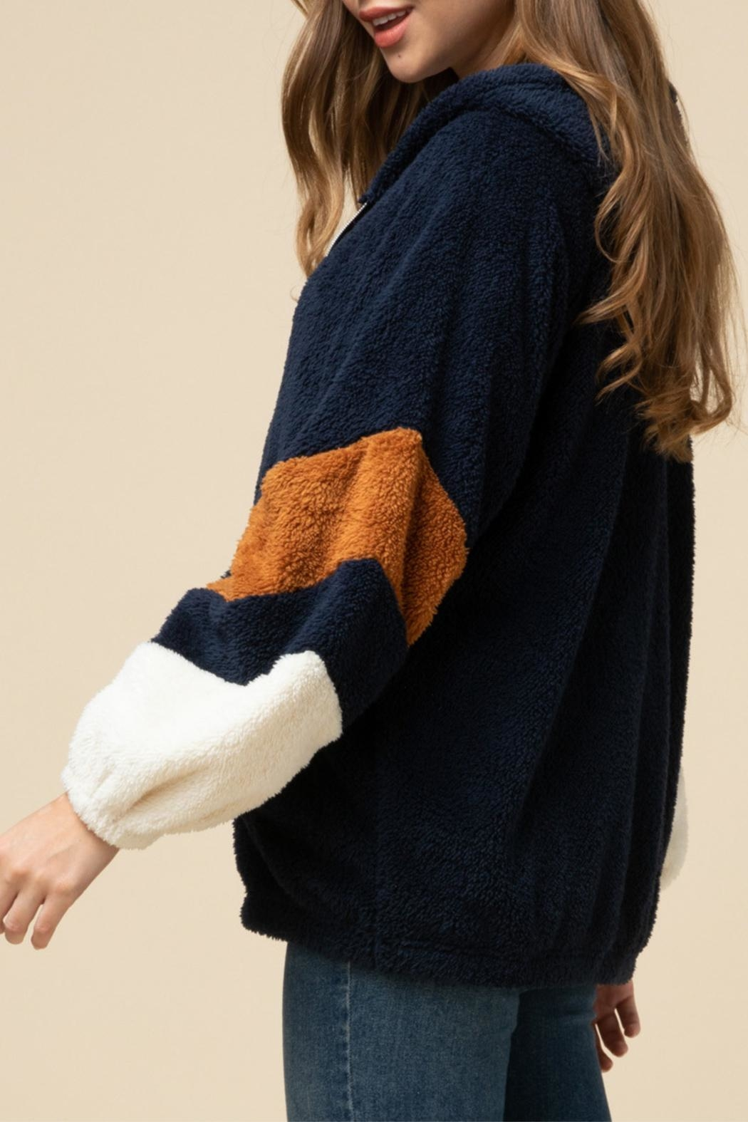 Entro Hooded Teddy Jacket - Side Cropped Image