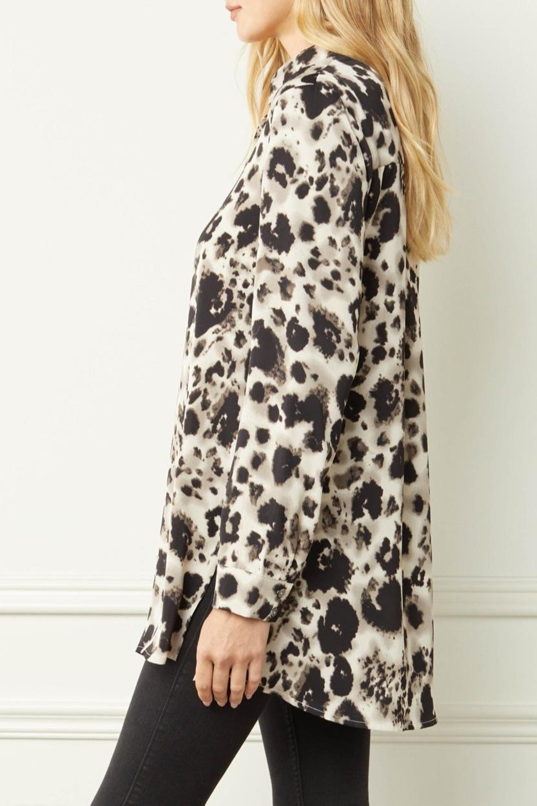 Entro Printed Button-Down Top - Back Cropped Image