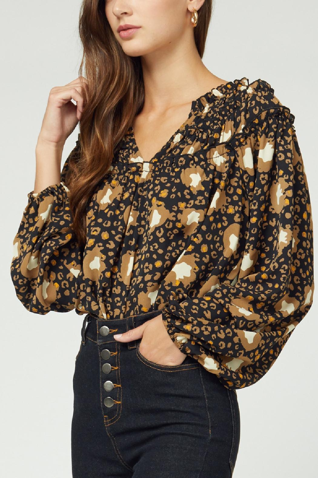 Entro Printed Ruffle Top - Side Cropped Image