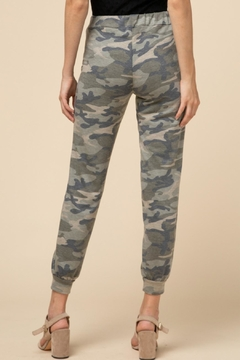 Entro Soft Camo Joggers - Alternate List Image