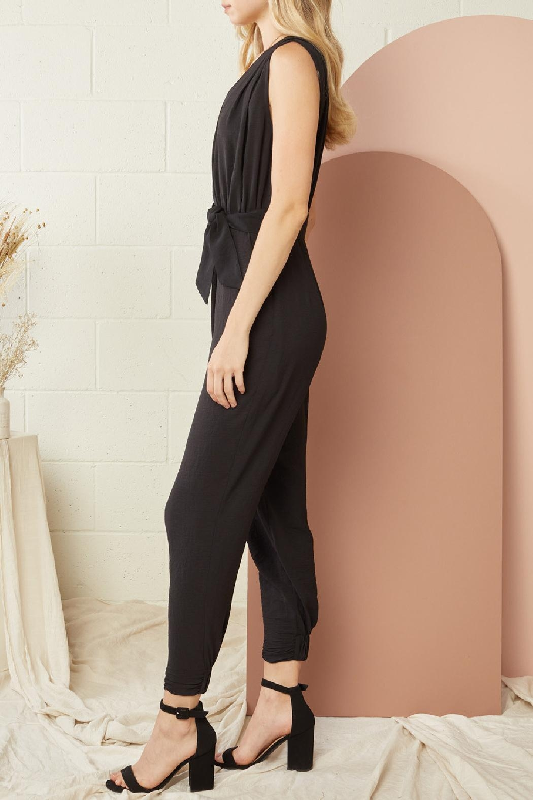 Entro Solid Sleeveless Jumpsuit - Side Cropped Image