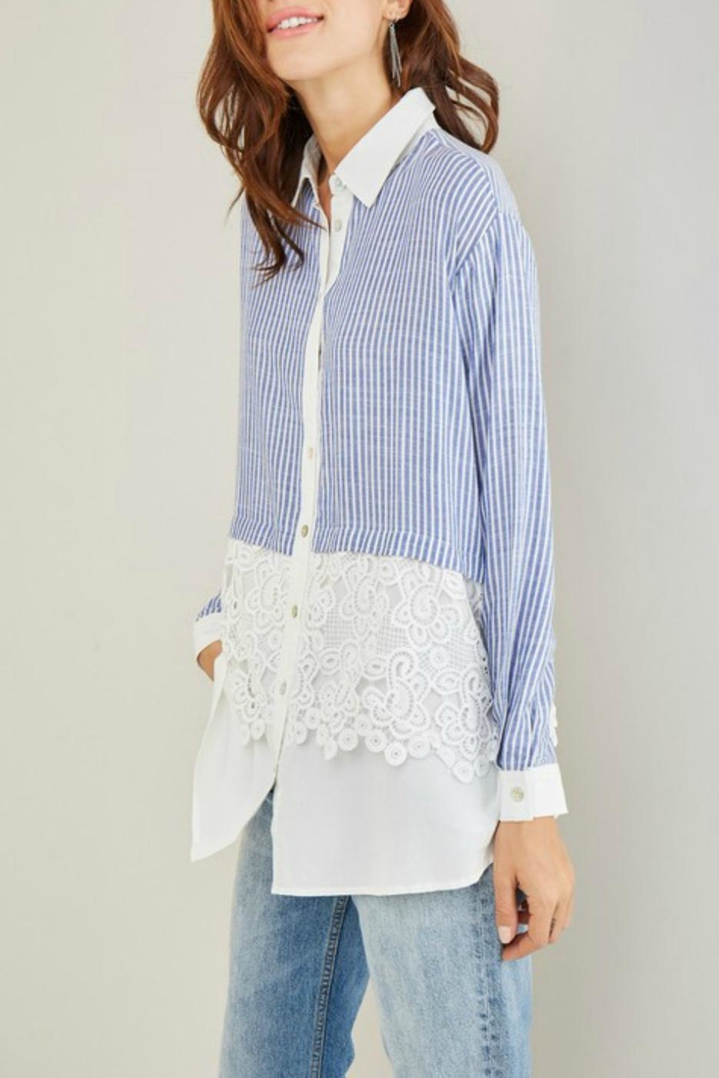 Entro Stripe Crochet Shirt - Side Cropped Image