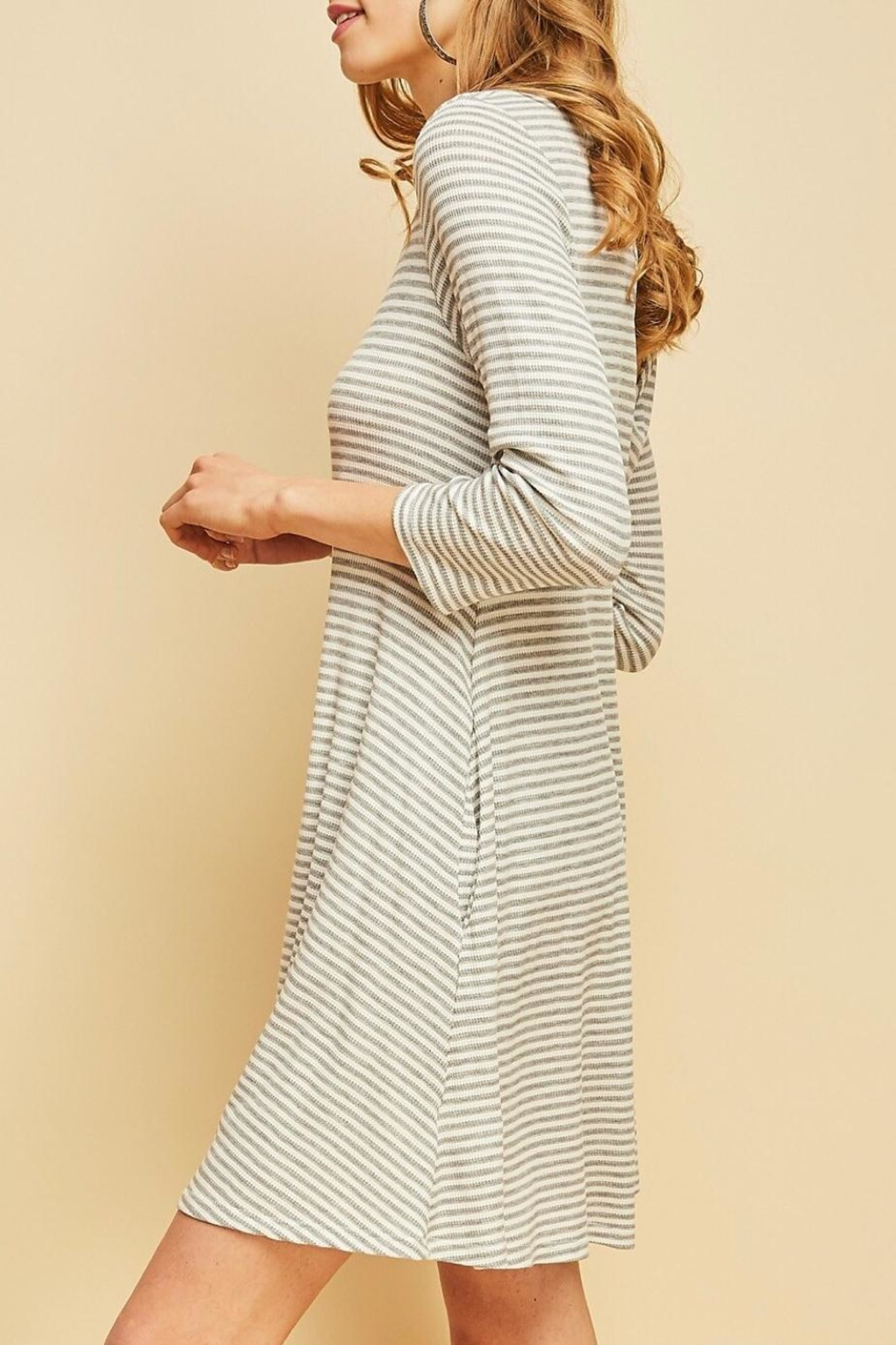 Entro Striped Shift Dress - Side Cropped Image