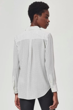 Equipment Slim Signature Silk Shirt In White/black - Alternate List Image