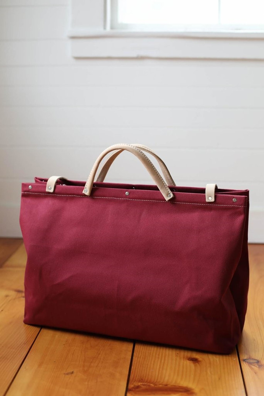 Forestbound Escape Bag Cranberry - Side Cropped Image