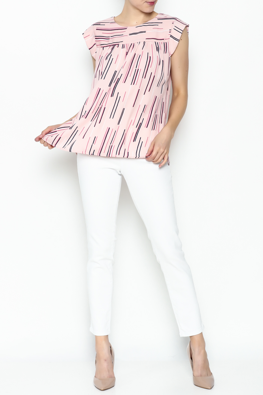 Esley Collection Print Sleeveless Top - Side Cropped Image